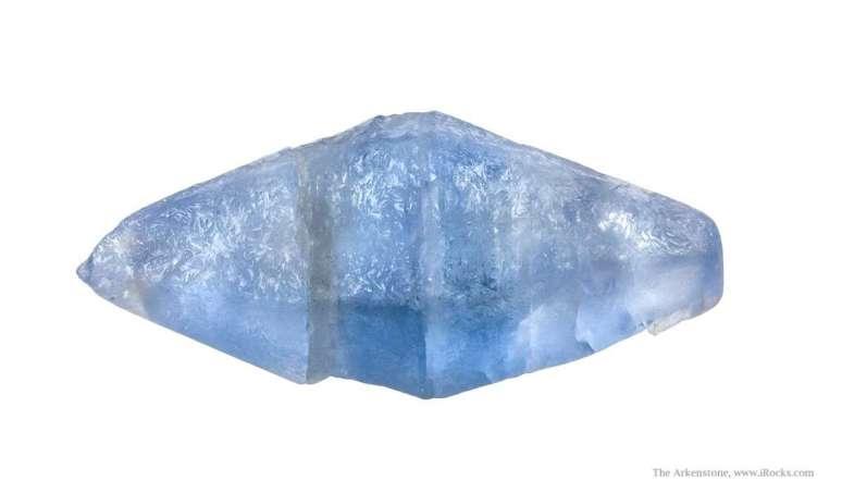 safir albastru;